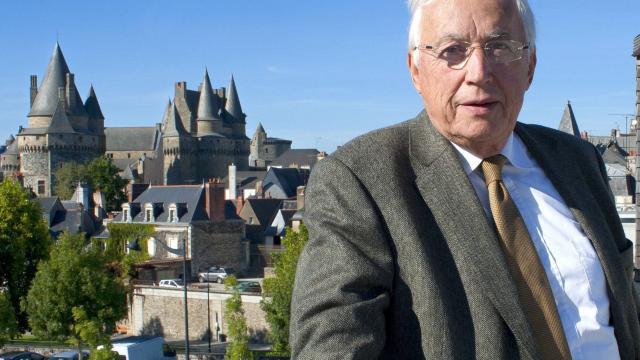 presidentielle-pierre-mehaignerie-maire-de-vitre-prefere-macron